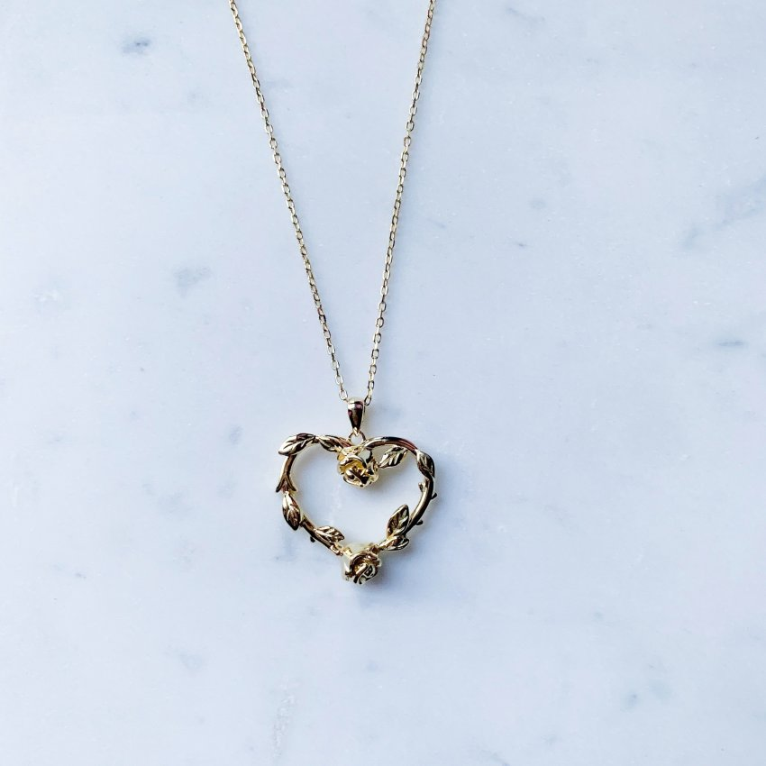 R O S E AND HEART NECKLACE