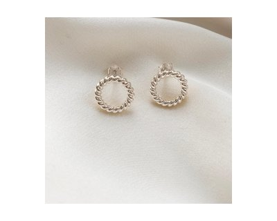 R O U N D VINTAGE EARRINGS IN SILVER
